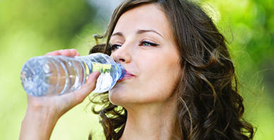 Does drinking water help hair growth?