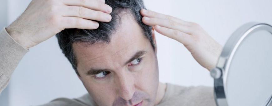 لماذا يتساقط الشعر بعد 10 أيام